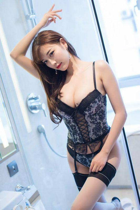 美腿御姐杨晨晨情趣连体网袜非常诱人