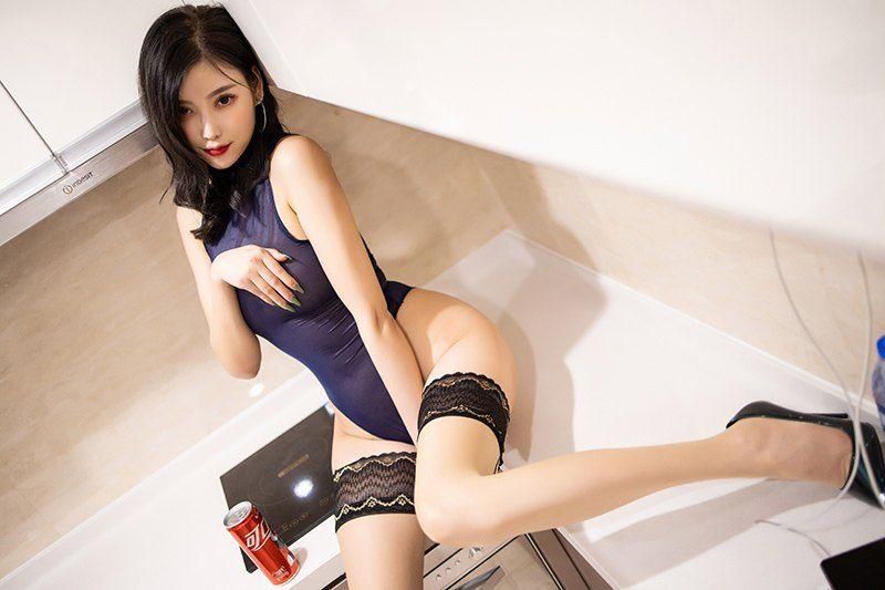 迷人学姐 杨晨晨透视蕾丝裸足