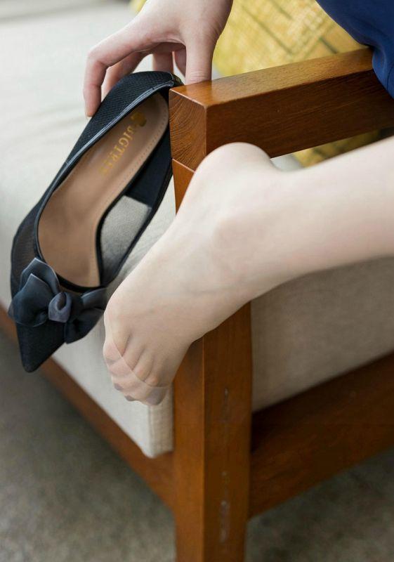 制服丝袜小可爱