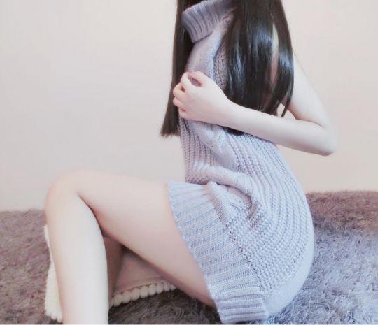 大美腿 小黑丝加小翘臀