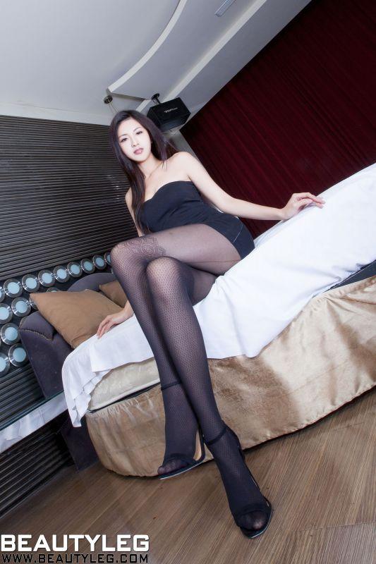 BEAUTYLEG的制服丝袜~大长腿
