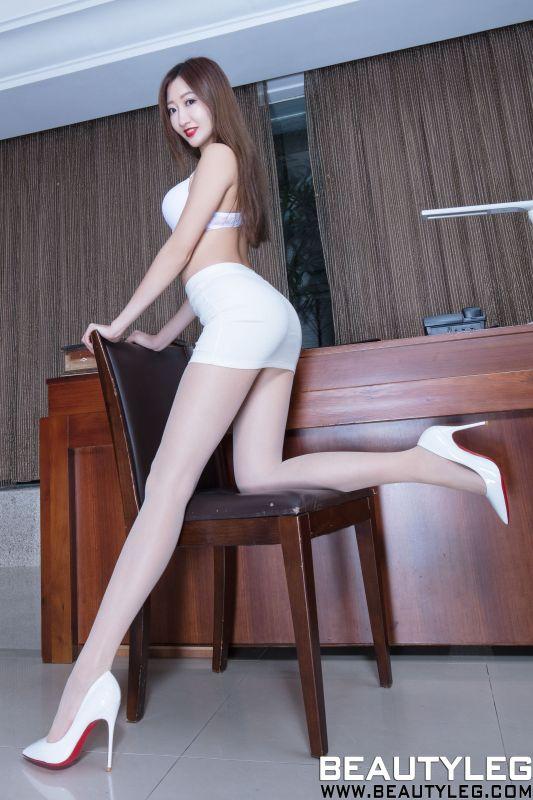 腿模Minnie 美腿丝袜诱惑写真套图