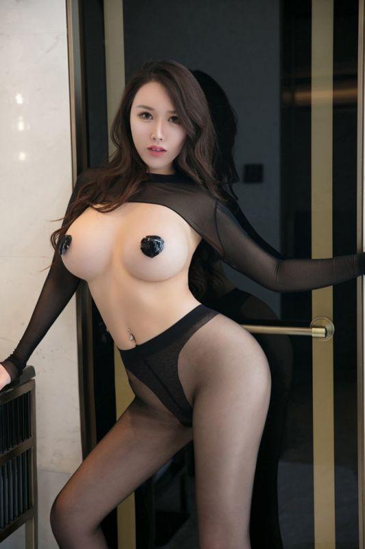 H罩杯大奶美人尤妮丝连体黑丝袜裤爆乳遮点