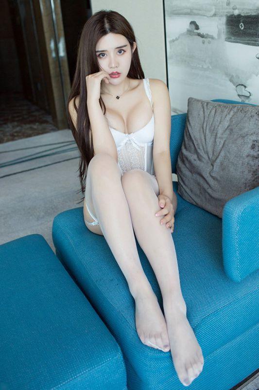 白丝袜女神卓娅祺爆乳美腿情趣诱惑图片