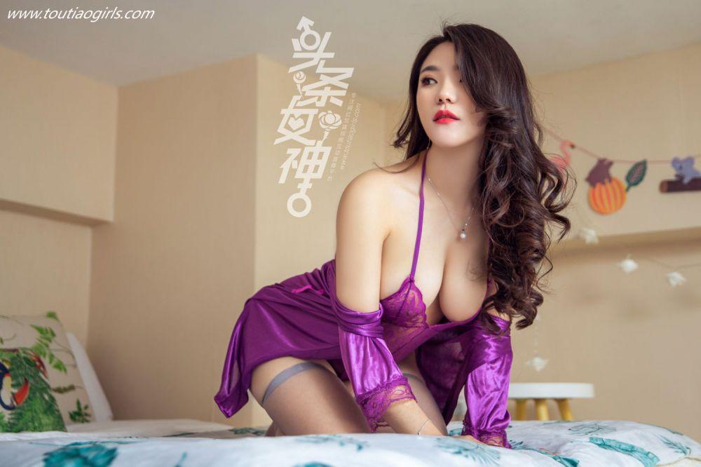成熟知性美女唐嫣儿丝袜睡衣体态妖娆