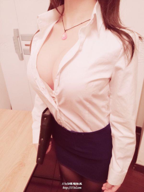 黑丝爆乳秘书在办公室内各种引诱