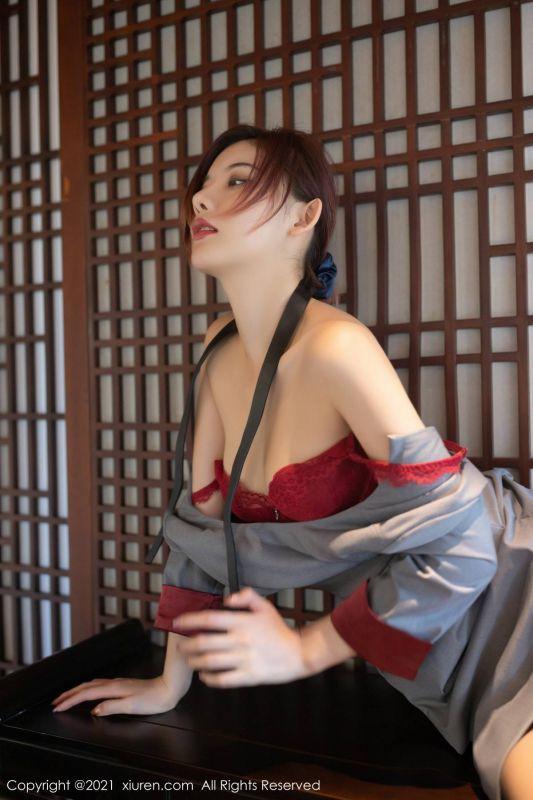 嫩模就是阿朱啊撩人诱惑写真私人管家主题红色内衣黑丝裤袜