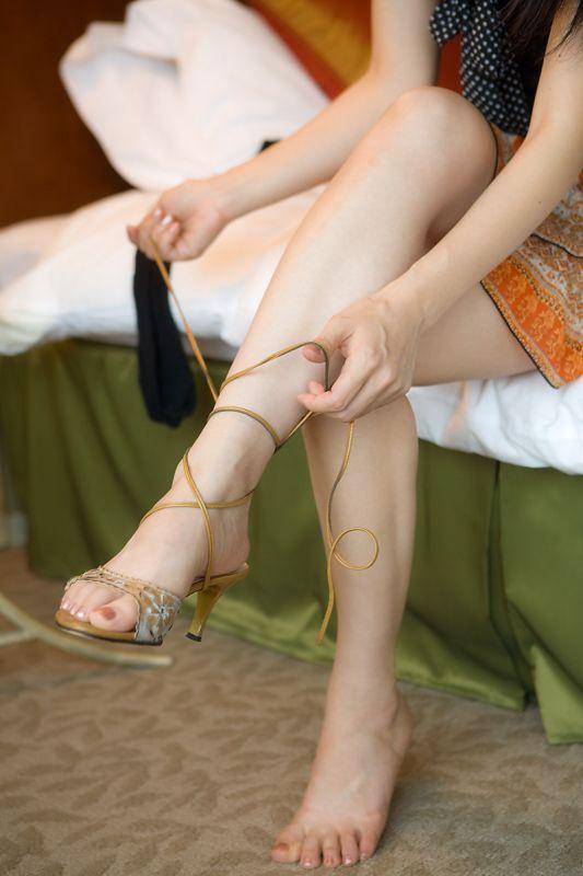 轻熟女的丝袜制服诱惑