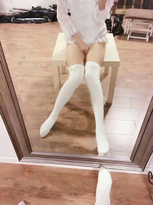 腿控+萝莉