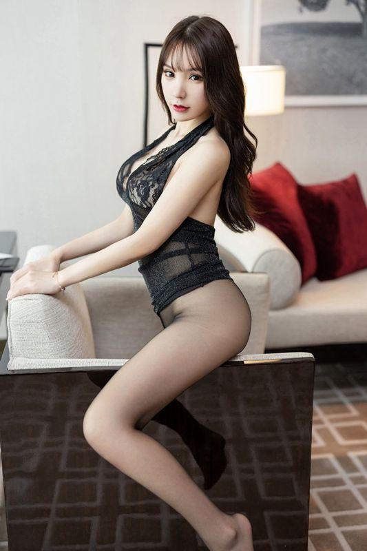 多情秘书周于希带你体验丝袜美腿诱惑