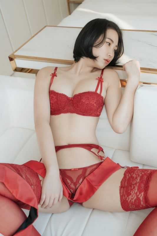 黑丝红丝一起来长腿美图