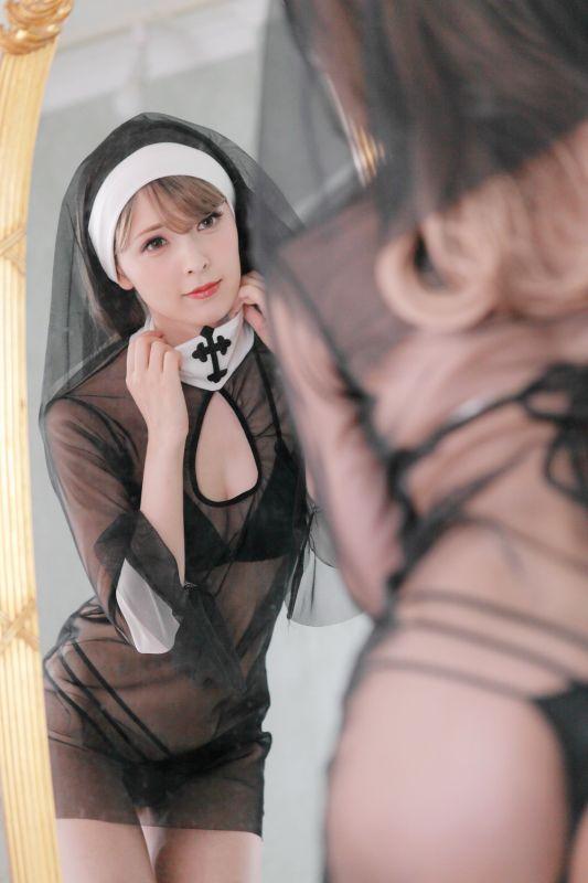 娇嫩白丝修女让人低档不住的诱惑
