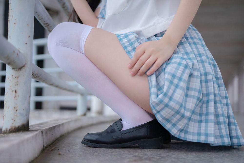 香香软软的白丝JK