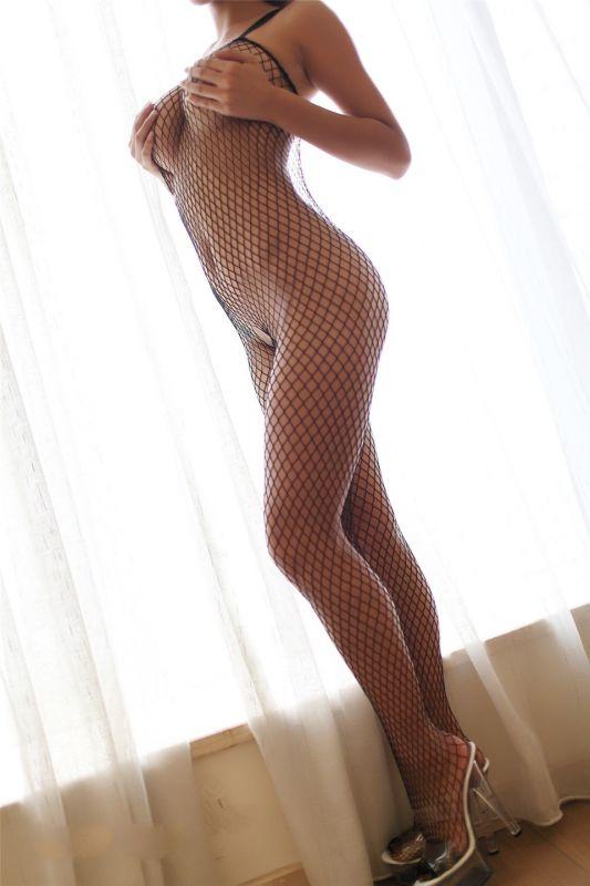丰满巨乳美女性虐情趣连体网袜大胆照