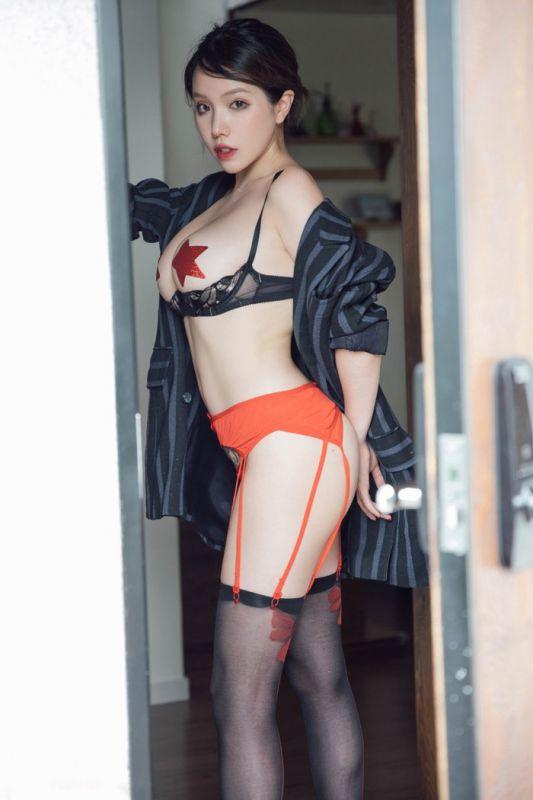 御姐范黄乐然OL装黑丝美腿霸气又迷人
