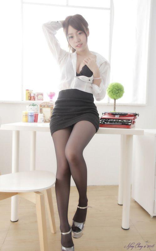 诱惑女秘书林旻仪黑丝高跟爆乳惹火照