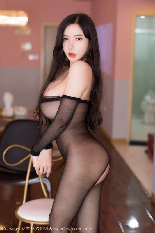 爆乳心妍小公主无内开档连体黑丝激情诱惑