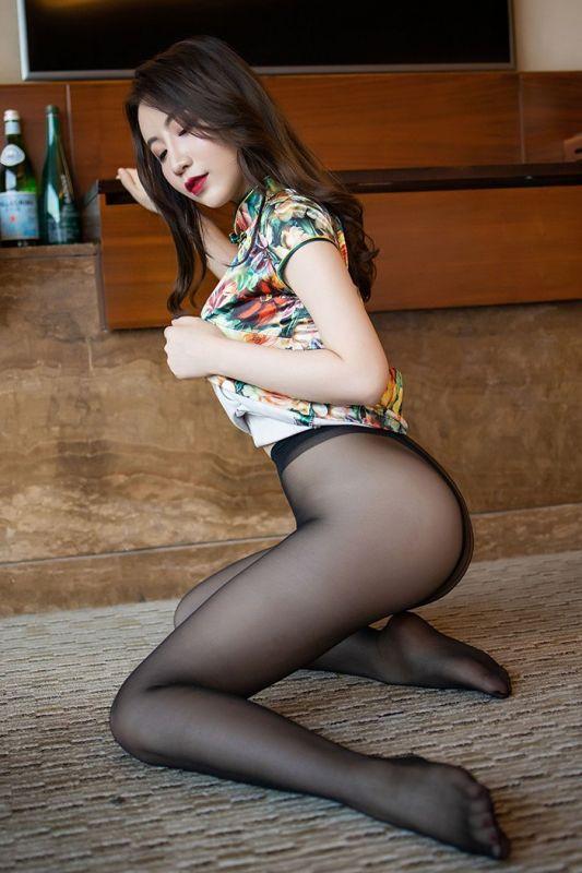 窈窕玉女绯月樱旗袍黑丝诱惑挑逗
