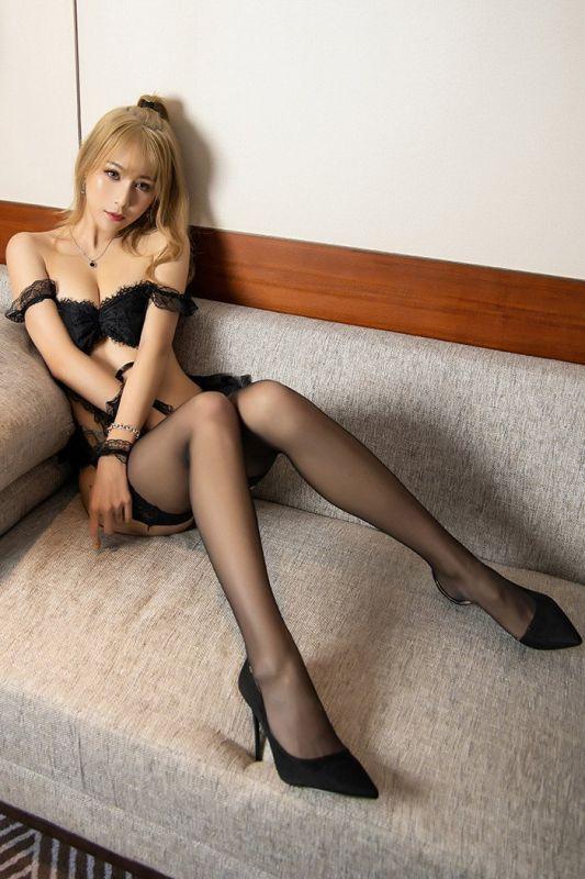 妖艳丽娘甜心菜黑丝美脚体态婀娜