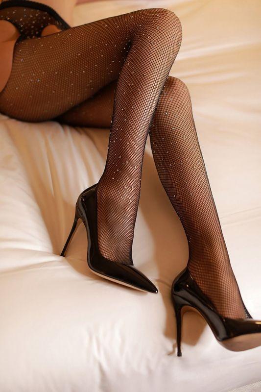 大胆美女尹菲水晶开档黑丝袜